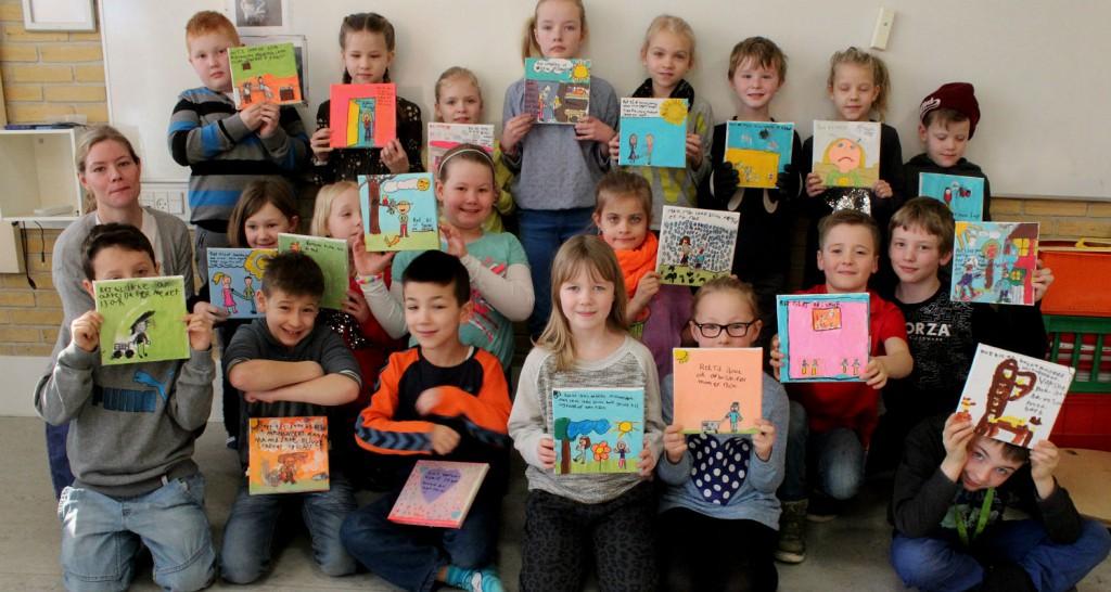 2.a med deres malerier om børnerettigheder